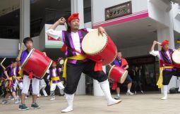 「【沖縄市】本格エイサー体験」のサムネイル画像