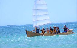 「【東村】沖縄帆かけサバニ体験とマリンクラフト(3時間)」のサムネイル画像