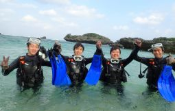 「【恩納村】ダイビングで学ぶ沖縄の海」のサムネイル画像